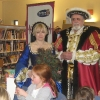 King and Queen visit library