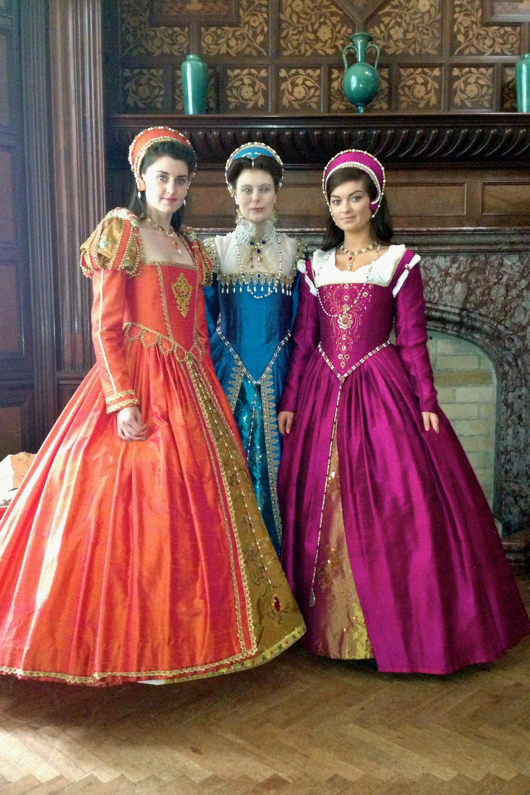Tudor fashion on tv julia renaissance costumes for Tudor style wedding dress