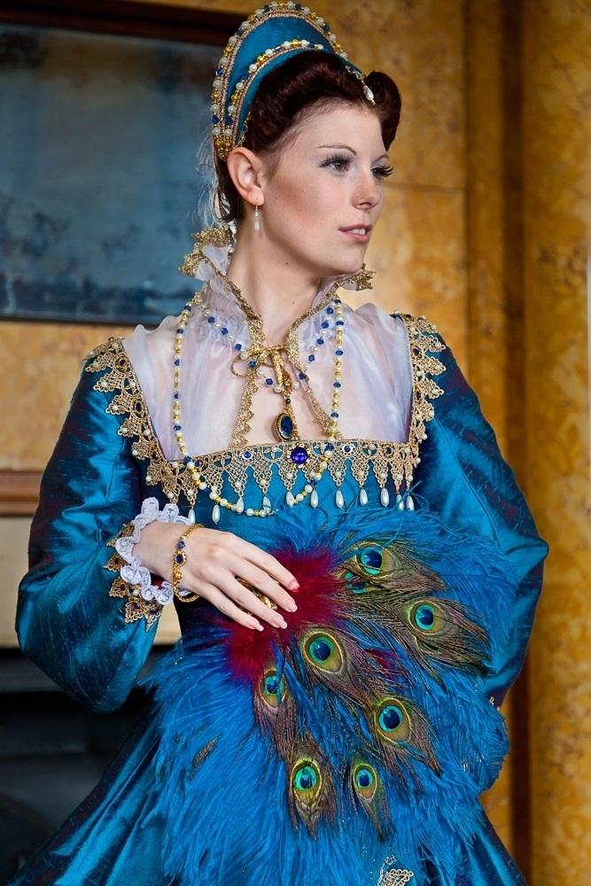 A Pretty Partlet Julia Renaissance Costumes